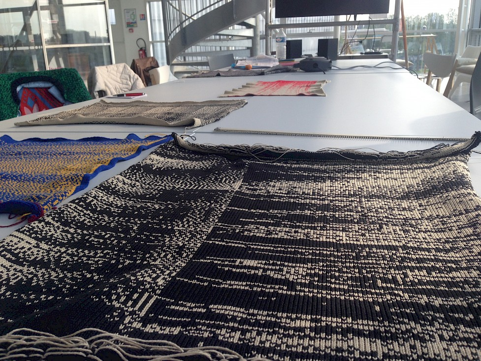 Workshop sound knitting at Interstices festival, Caen, France