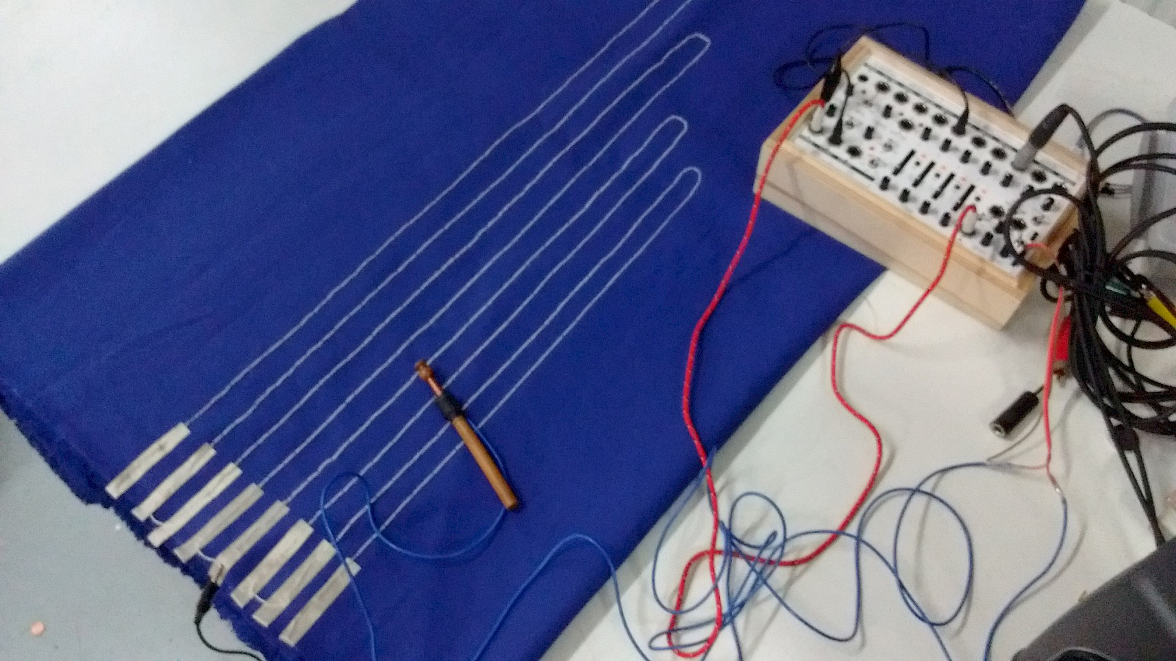 Making a textile tunner with KOMA Field Kit and electronic textiles